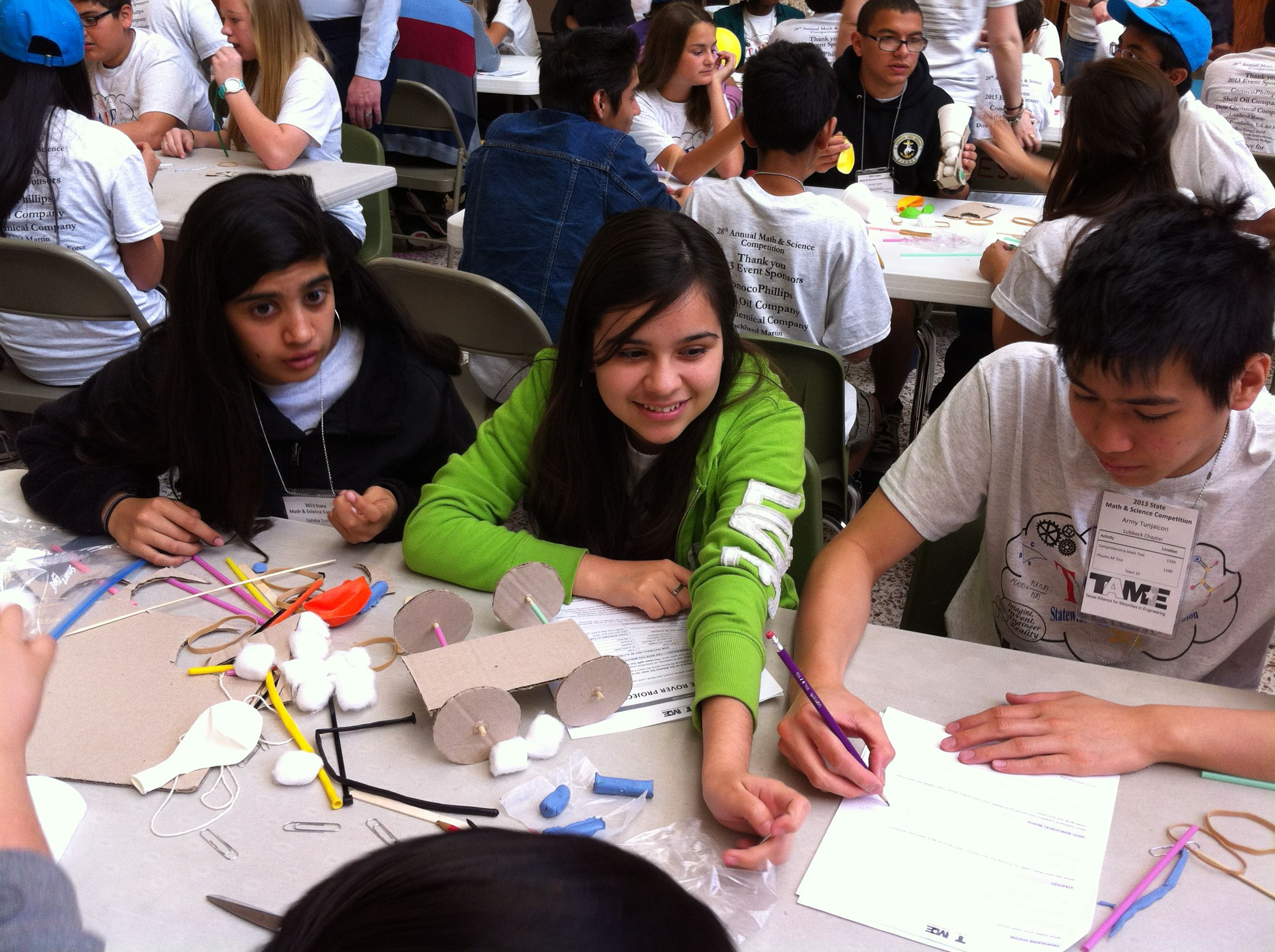 Students building a Mars Rover in TAME's 2013 State Math and Science Competition